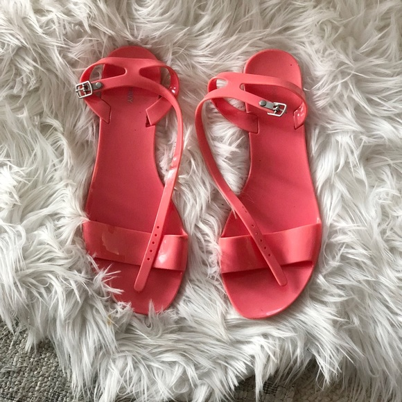 fe93155b9 Super Cute Coral Jelly Flat Sandals